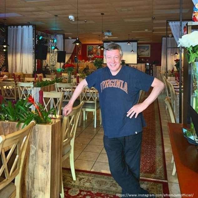 Супруга Михаила Ефремова отсудила больше ста тысяч за поврежденное авто
