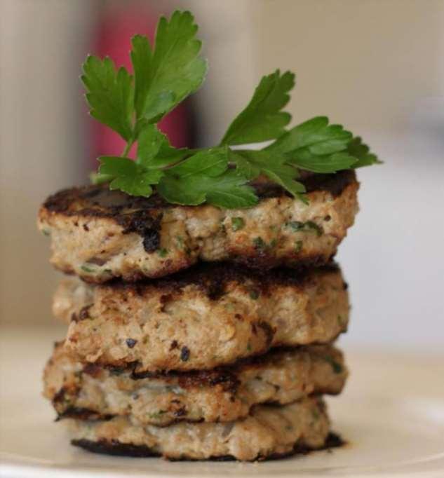 Котлеты с овсянкой и фаршем: простое и вкусное блюдо