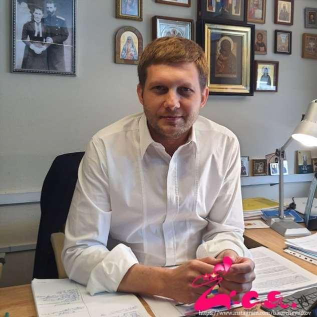 Борис Корчевников заинтриговал фото с новой подружкой