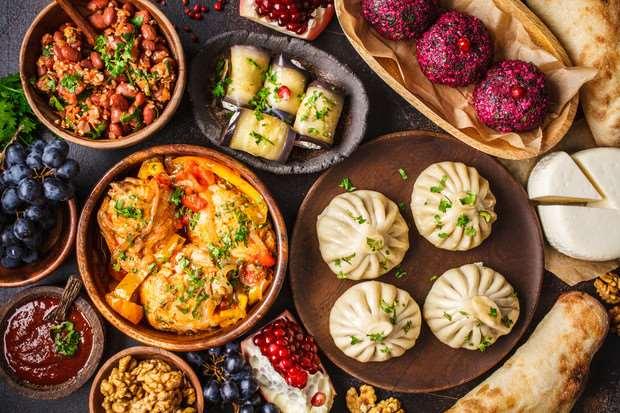 Хинкали, сациви, пхали: 3 лучших рецепта грузинских блюд