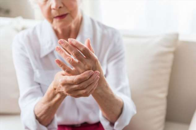 Гормоны и дефицит витамина D. Почему женщины чаще болеют артритом?