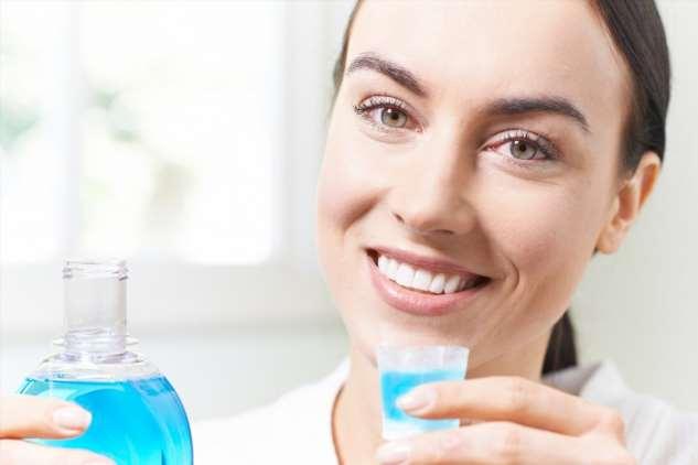 Полоскание рта и инфекции: есть ли эффект?