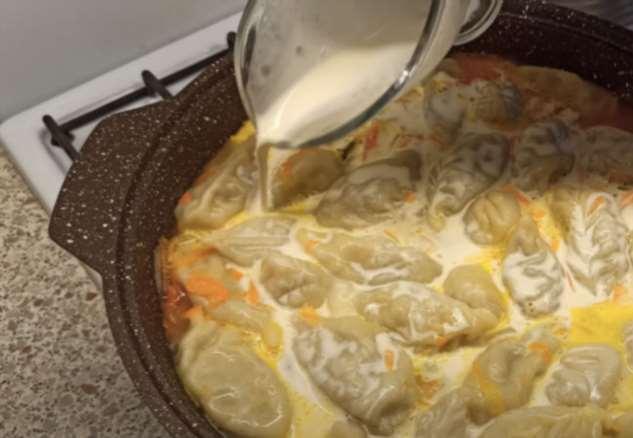 Варим пельмени в бульоне со сливками: блюдо тает во рту