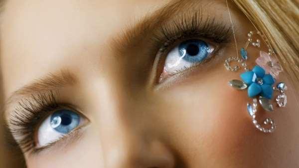 Цвет глаз и характер человека (4 фотографии)