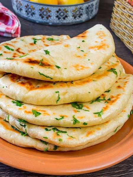 Базлама – турецкие дрожжевые лепешки на сковороде