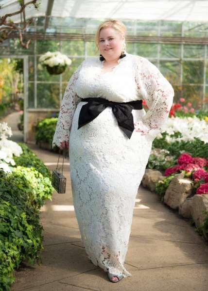 Стильные платья для полных красавиц