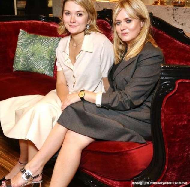 Младшие дети Анны и Надежды Михалковых сели за одну парту