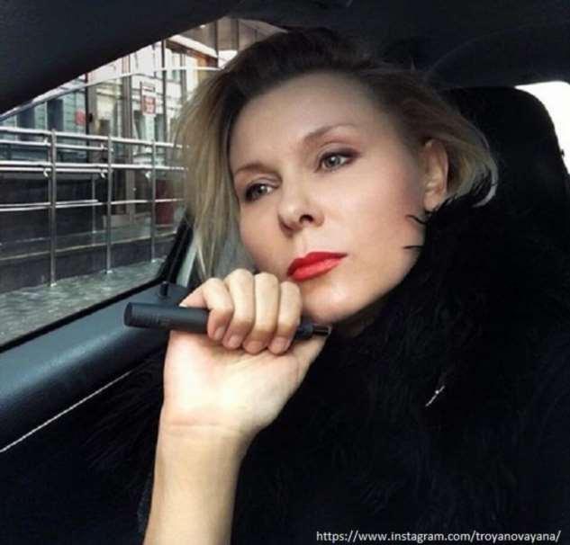 Яна Троянова призналась, что благодаря мужу, стала зарабатывать больше него