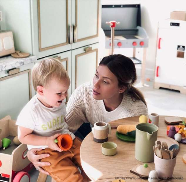 Регина Тодоренко поделилась забавным диалогом с сыном