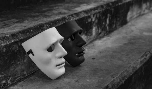 8 типов поведения, которые демонстрируют токсичные люди перед тем, как сбросить маски