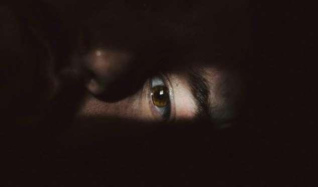 5 малозаметных признаков того, что близкий человек страдает от депрессии и скрывает это