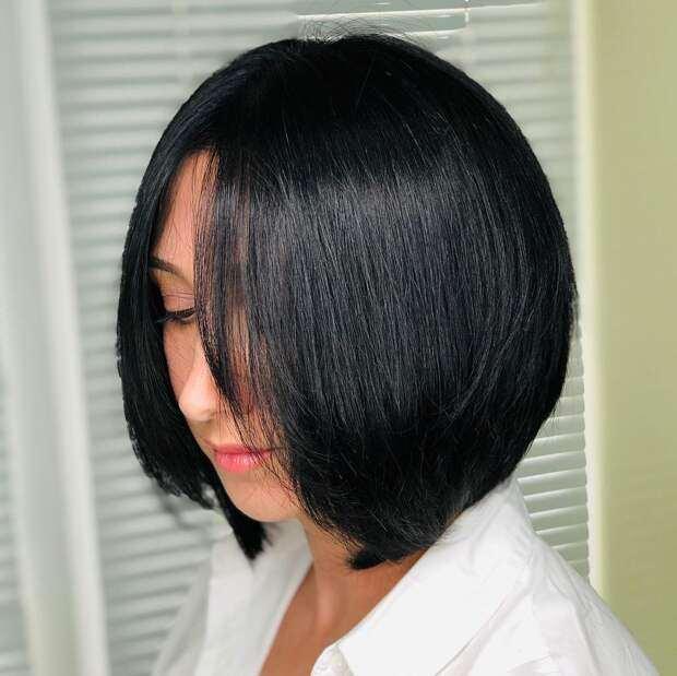 12 темных стрижек 2021 для женщин старше 40 на разную длину волос
