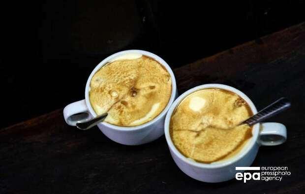 Диетолог рассказал, что в день допустимо выпивать не более трех чашек кофе