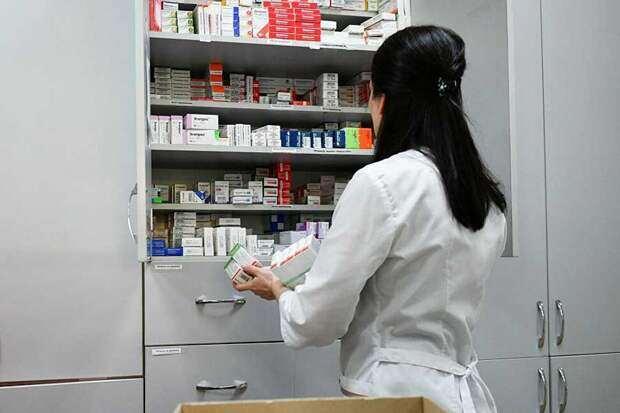 Минздрав призвал не принимать антибиотики для профилактики коронавируса